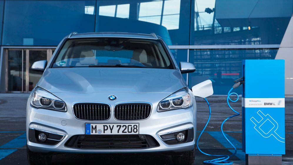 Plug-In-Hybriden: Luxusmobile mit Verkabelung