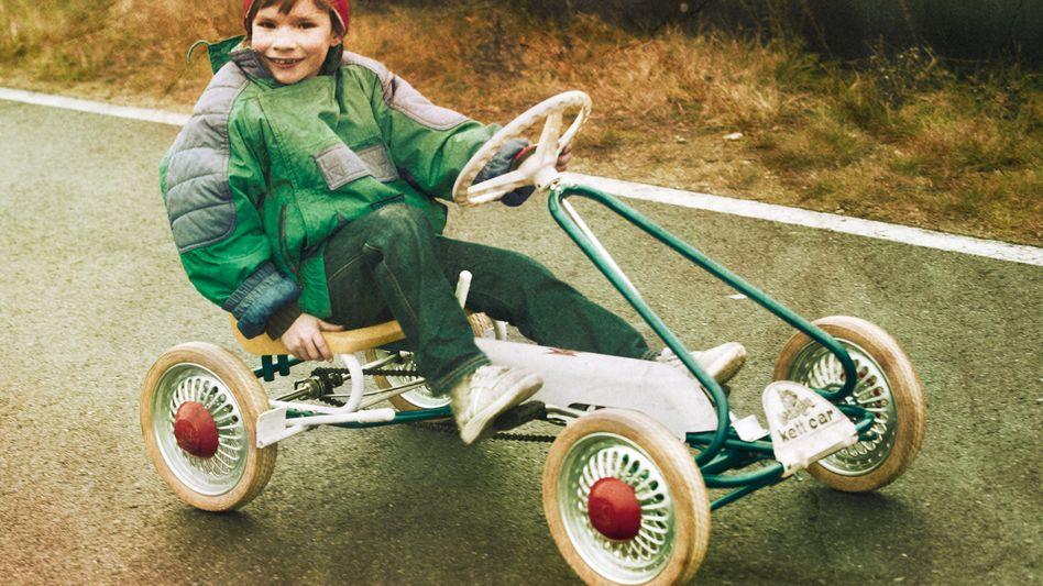 Kind mit Kettcar: Die Aufnahme entstand in den 1960er Jahren, als Kettler das berühmte Spielzeug gerade auf den Markt gebracht hatte. Jetzt steht die Firma vor dem Aus.
