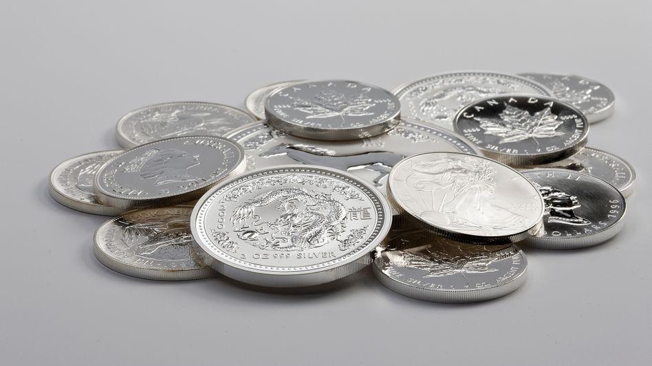 Silbermünzen: Der Preis des Edelmetalls hat beispielsweise Gold zuletzt outperformt