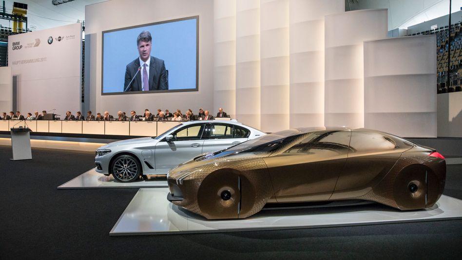 BMW-Hauptversammlung in München: Konzernchef Harald Krüger will mit einer wiederbelebten 8er-Reihe Mercedes im Luxussegment angreifen