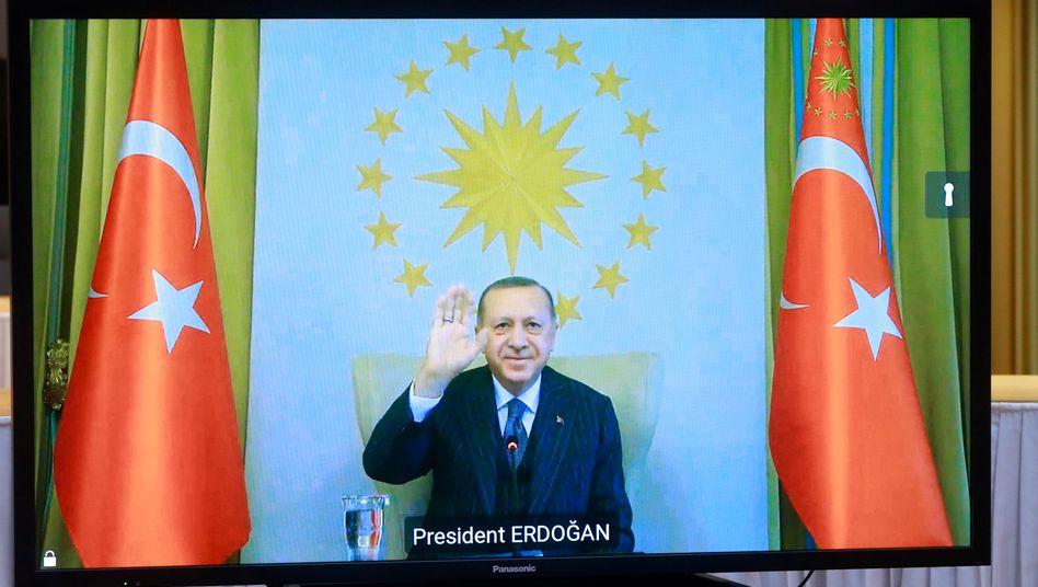 Grüße aus dem Währungstal: Der türkische Präsident Recep Tayyip Erdoğan vergangene Woche bei einer Videokonferenz