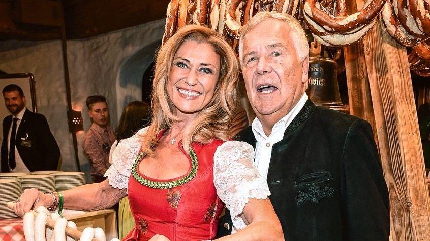 """Bodenständiger Typ: Hans Rudolf Wöhrl sucht den Kontakt zu seinen Mitarbeitern auf allen Ebenen und überlässt das Rampenlicht seiner Frau, """"Höhle der Löwen""""-Star Dagmar Wöhrl"""