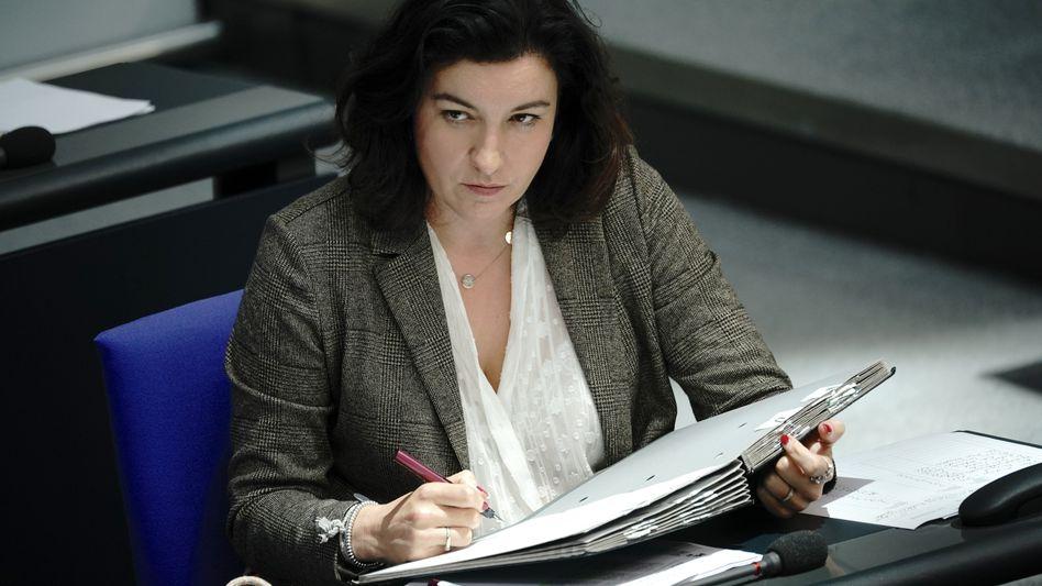 Ohne Ressourcen und echte Autorität: Dorothee Bär (CSU), Beauftragte der Bundesregierung für Digitalisierung, im Bundestag