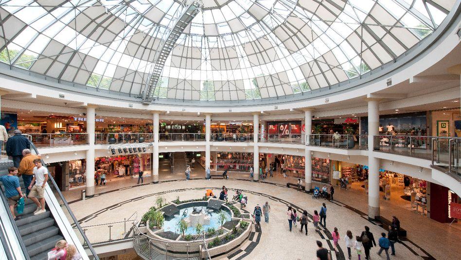 Einkaufszentrum in München-Neuperlach: Weniger Käufe in Deutschland im Mai