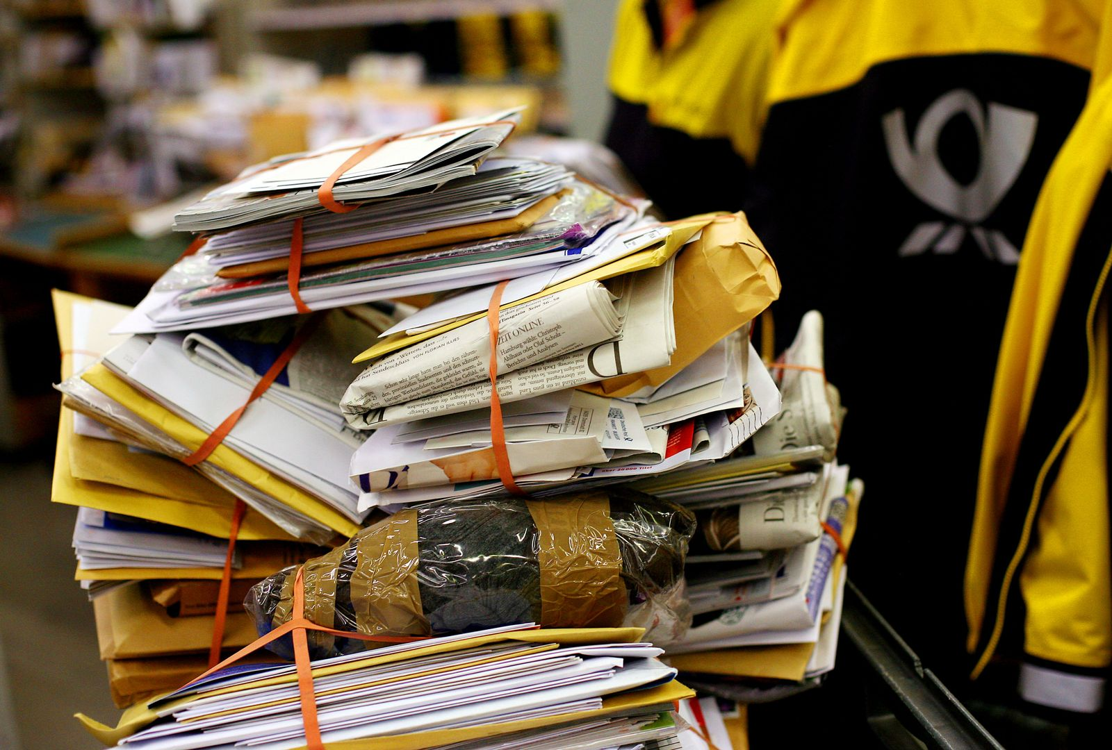 Thema mmO: Deutsche Post / Postbote / Posthorn / Briefe