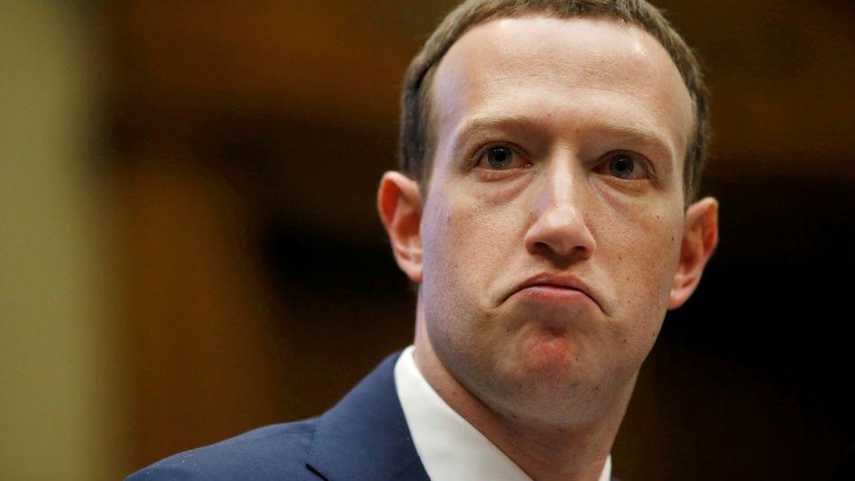 Facebook-Chef Mark Zuckerberg: Mit Libra könnten vor allem Menschen in den ärmsten Regionen der Welt ein günstiges Zahlungsmittel an die Hand bekommen. Doch bei 2,3 Milliarden Facebook-Nutzern hat der Vorstoß von Facebook auch noch andere Aspekte
