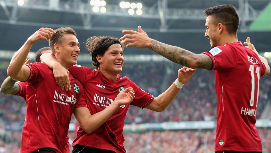 Millionengeschäft: In dieser Saison rüstet Jako mit Hannover 96 nur einen Bundesligisten aus, nachdem Sie die Mandate beim FC Augsburg und bei Eintracht Frankfurt an Nike abgeben mussten. Doch dabei soll es nicht bleiben