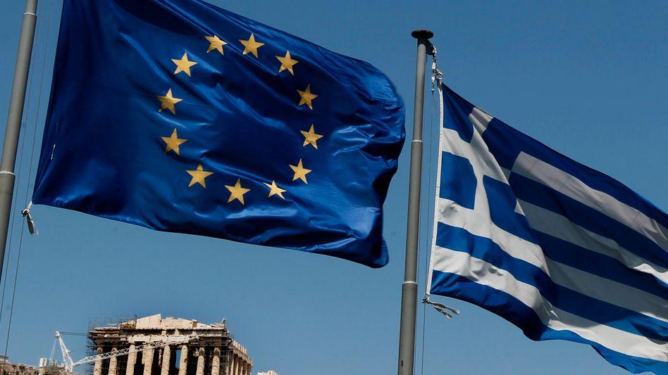 Wer haftet: Der Ruf nach Euro-Bonds wird lauter - auch in der Wirtschaft- Problemstaaten wie Griechenland würden profitieren