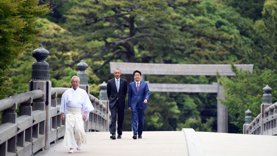 Gipfeltreffen: US-Präsident Obama mit Japans Premier Shinzo Abe zum Auftakt des G7-Treffens im japanischen Ise-Shima. Am Freitag wird Obama als erster amtierender US-Präsident auch Hiroshima besuchen