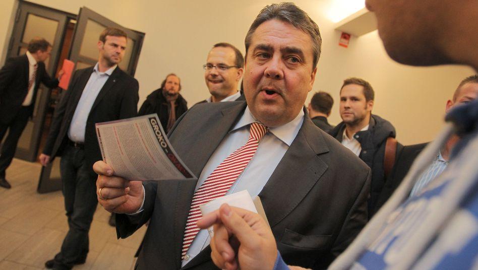 Überzeugungsarbeit: SPD-Chef Gabriel tingelte in letzter Zeit viel durch die Parteibasis
