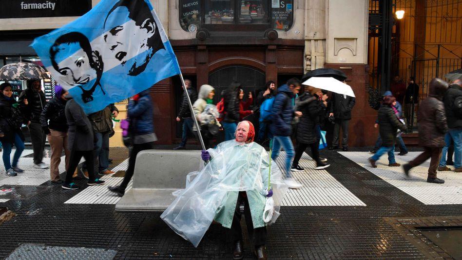 Buenos Aires: Juan Peron und seine Frau Eva Peron werden noch immer verehrt - obwohl ihre populistische Politik das Land an den Rand des Ruins brachte