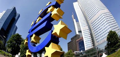 Schutzburg in Frankfurt: Der Euro könnte die Osteuropäer retten - dafür müssten aber die Maastricht-Kriterien weg