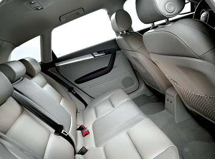 Innenansicht vom Audi A3 Sportback: Reichlich Platz (1120 Liter) für die Golftasche
