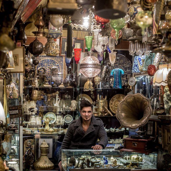 Antiquitätenhändler in Istanbul: Weniger Geld für Shopping