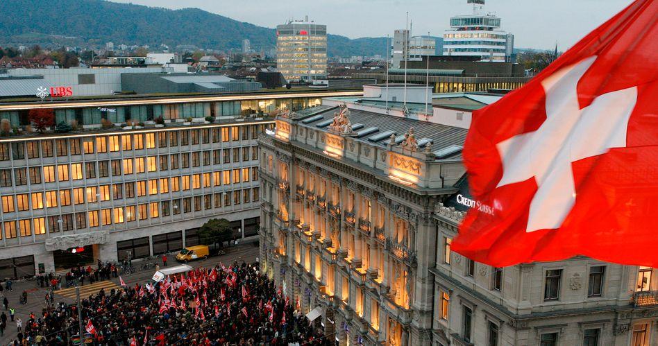 Bankenviertel Zürich: Die Schweizer Finanzaufsicht ermittelt gegen heimische Banken wegen des Verdachts der Devisenkursmanipulation