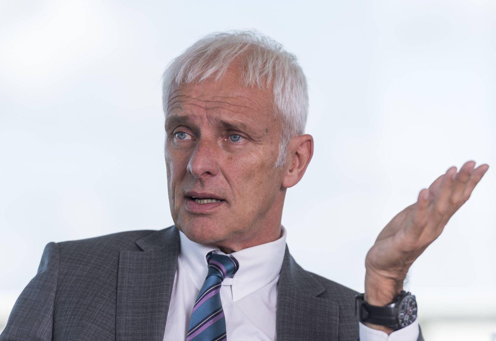Volkswagen Konzernchef Matthias Müller aufgenommen am Montag 03 07 2017 während eines Interviews