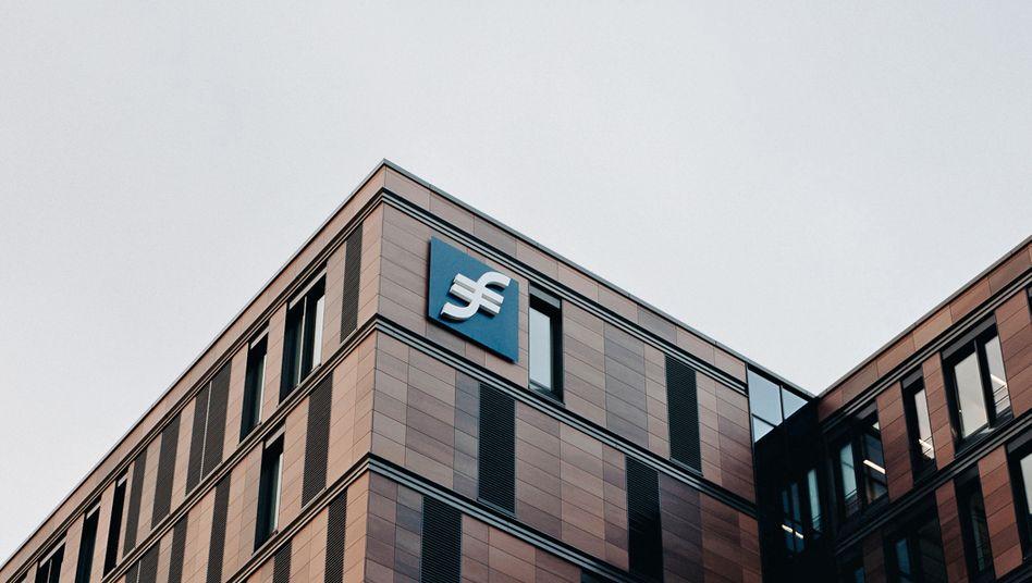 Spitzenausbilderin: Die Frankfurt School of Finance & Management überzeugt die mittelständischen Kanzleien in Punkto Nachwuchs.