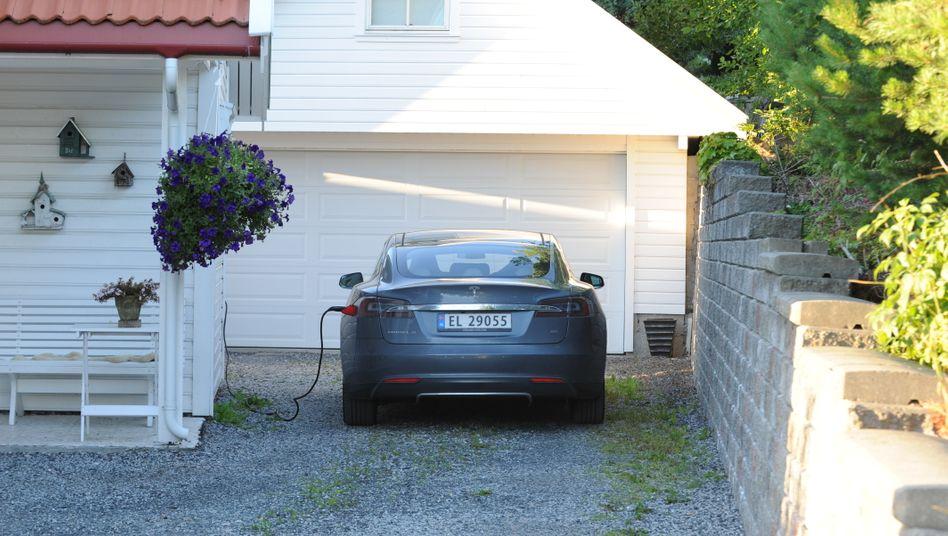 Tesla in Norwegen: Die Zulassungen des Elektroautobauers in dem skandinavischen Land brachen zuletzt massiv ein.