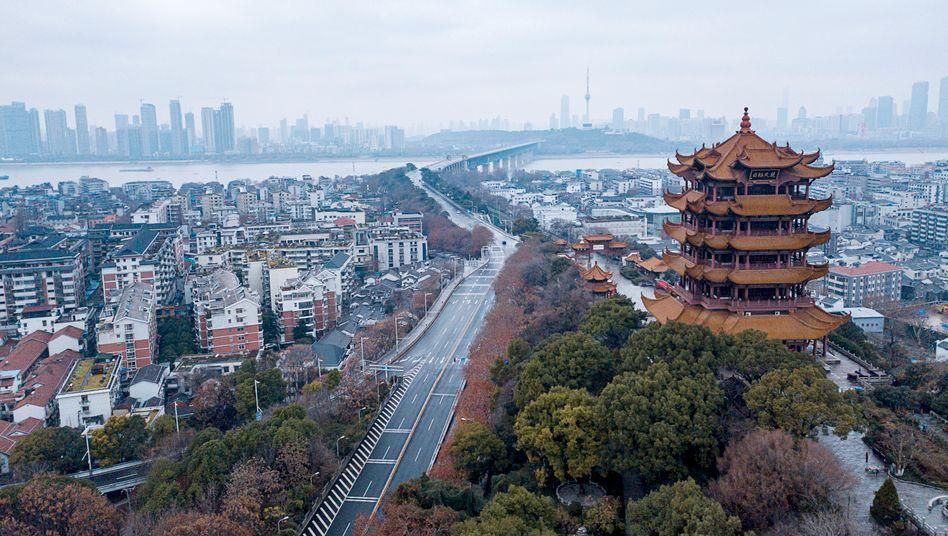 Wuhan: Ist es möglich, dass auf die Gesundheitskrise eine Wirtschaftskrise folgt, die wiederum in einer politischen Krise endet?