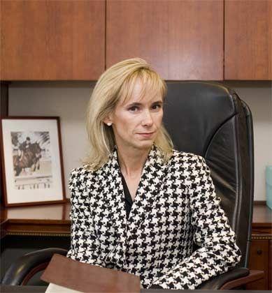 Erinnerungen an 2001: Personalberaterin Valerie E. Germain bereitet ihre Kunden auf sindkende Gehälter vor