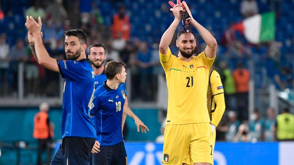 Italiens Torhüter Donnarumma freut sich über den EM-Sieg: Nationaltrainer Mancini hat sein Team ernst genommen und jedem eine Chance gegeben, lobt Wolfgang Jenewein