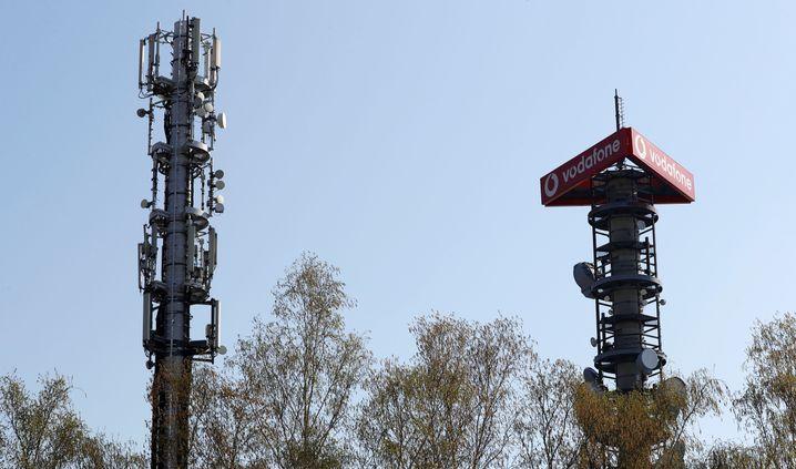 Funkmasten von Vodafone mit 4G-, 5G- und Radiotechnik in Berlin