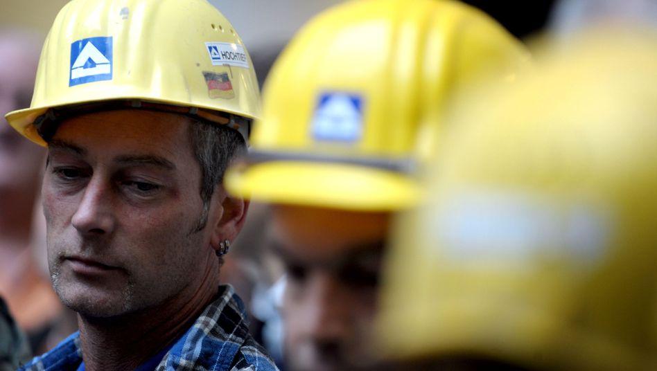 Hochtief-Arbeiter: Schlechte Bilanz für 2011