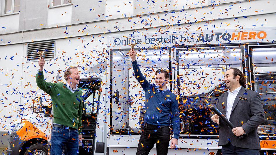 Auto1-Gründer jubeln zum Börsengang: Der IPO des Online-Gebrauchtwagenhändlers zählt zu den größten Erstnotierungen an der Frankfurter Börse in diesem Jahr