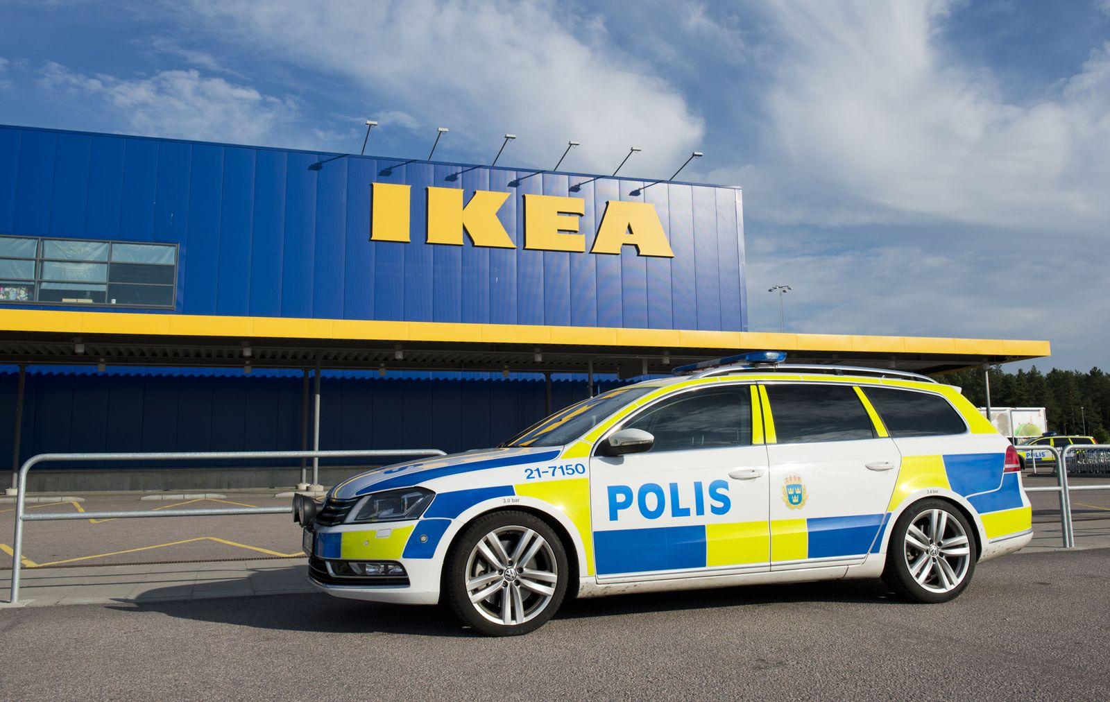 Schweden/ Ikea/ Messerstecherei