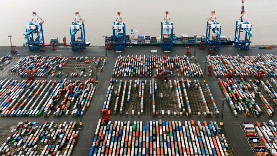Containerterminal Bremerhaven: Deutschland exportiert viel mehr Waren als es importiert