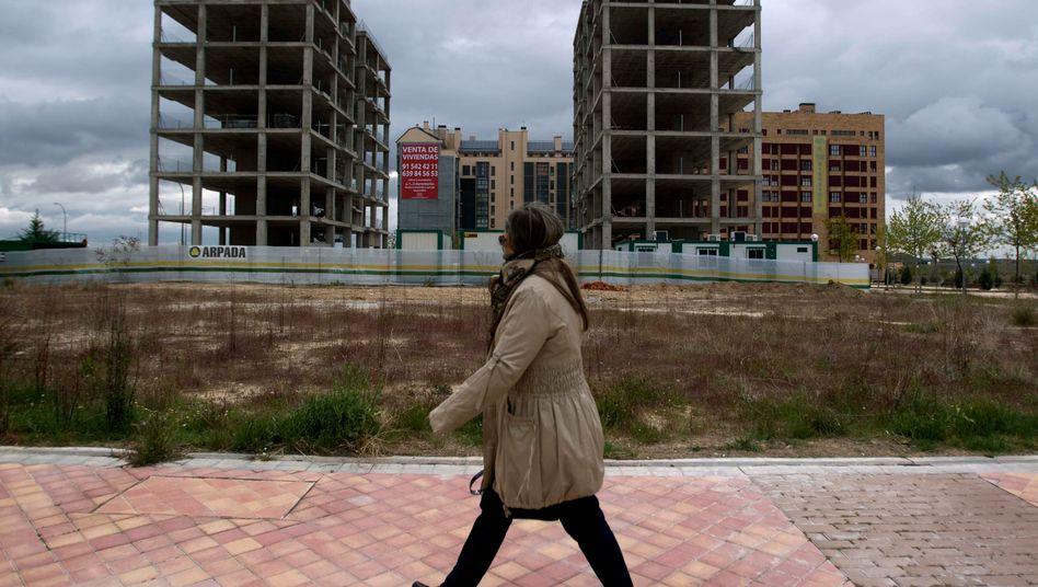 Wackelkandidat Spanien: Die Immobilienkrise übertrug sich auf die Banken, die nun mit Milliardenbeträgen gestützt werden müssen