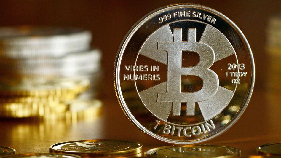 Bitcoin: Die Kryptowährung ist von dem Rekordhoch von 42.000 US-Dollar auf ein Wochentief unter 31.000 US-Dollar gestürzt. Gewinnmitnahmen belasten