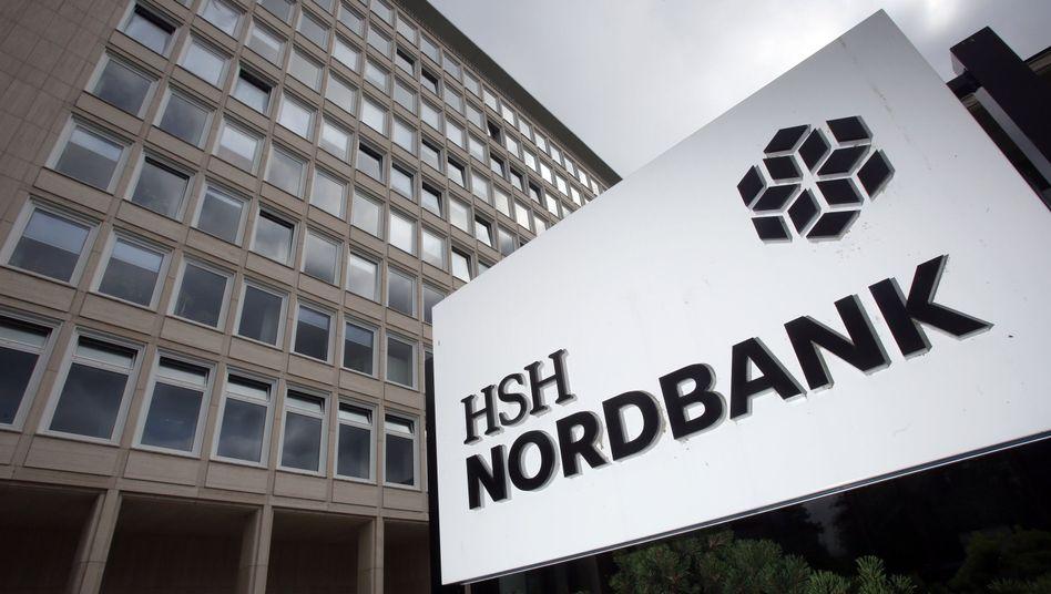 Die HSH Nordbank muss bis Ende Februar verkauft werden. Drei Interessenten sind noch im Rennen.
