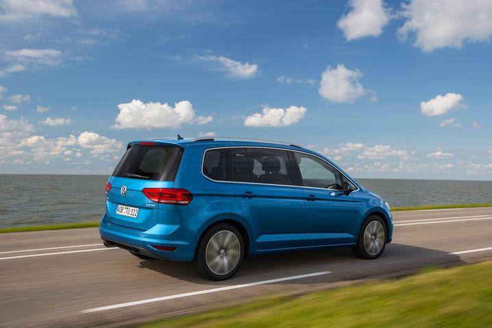 VW Touran: Nach schwachem Jahresbeginn hält der Touran wieder auf seinem Stammplatz - Rang 8