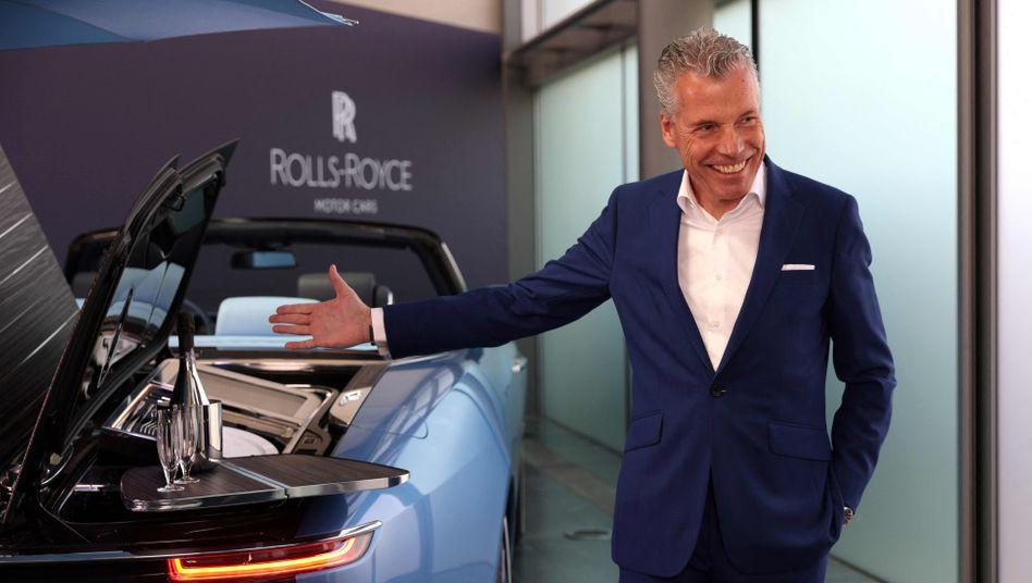 Luxus läuft: Rolls-Royce-Chef Torsten Müller-Ötvös freut sich über starke Nachfrage