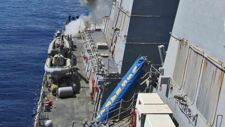 Start einer Tomahawk-Rakete: der Zerstörer USS Barry im Mittelmeer