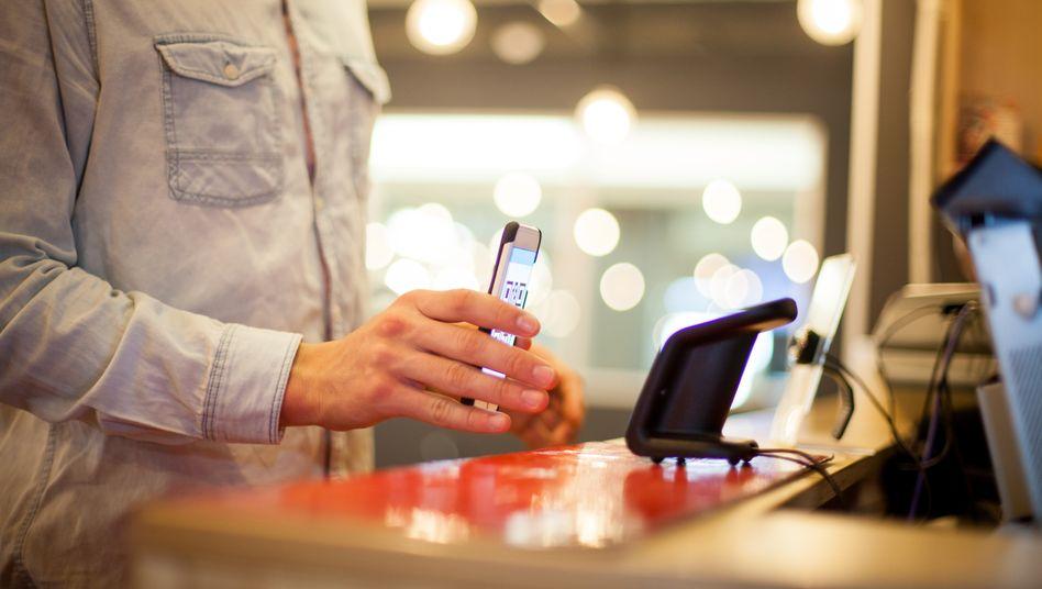 Kontaktloses Bezahlen: Keine Kreditkarte mehr nötig