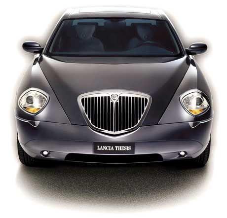 Der Motor schnurrt seidig, verbraucht aber zuviel: Lancia Thesis