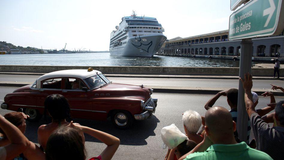 Carnival-Kreuzfahrtschiff in Havanna, Kuba: Das Unternehmen ist von der Corona-Krise schwer getroffen - eine womöglich günstige Gelegenheit zum Einstieg.