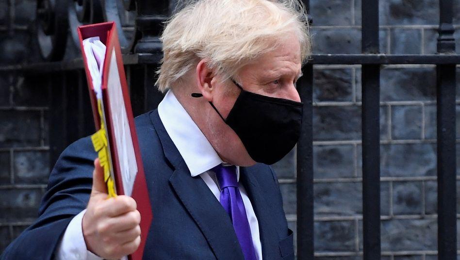 """""""Fantastische Neuigkeiten"""": So kommentiert Großbritanniens Premier Boris Johnson die Zulassung des Biontech-Coronaimpfstoffs für sein ganzes Land ab kommender Woche"""