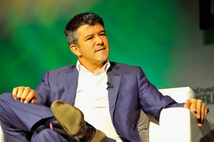 Uber-Chef Travis Kalanick: In Amerika können Besserverdiener bereits auf ein Heer von Honorarfahrern (Uber und Lyft), -boten (Postmates), -butlern (Alfred) und -köchen (Spoonrocket) zugreifen, das sie via Smartphone fernsteuern.