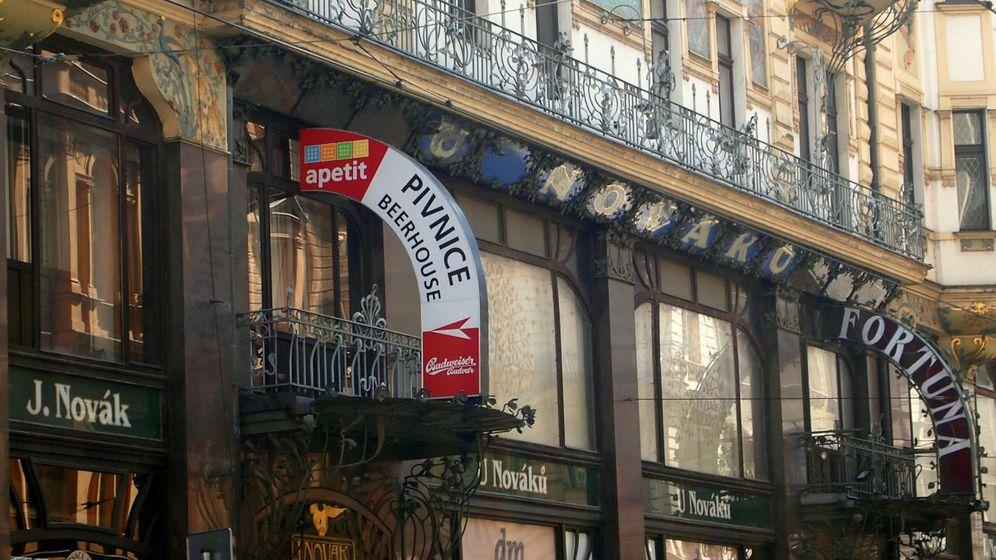 Ausgehen in Prag: Speisen unter Stuckdecken