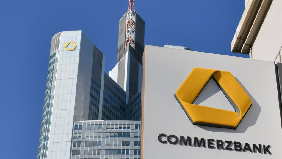 """Commerzbank in Frankfurt am Main: """"Nicht genug in Digitalisierung investiert"""""""