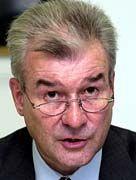 Vorstandsvorsitzender Thomas Diehl wettert gegen die Politk