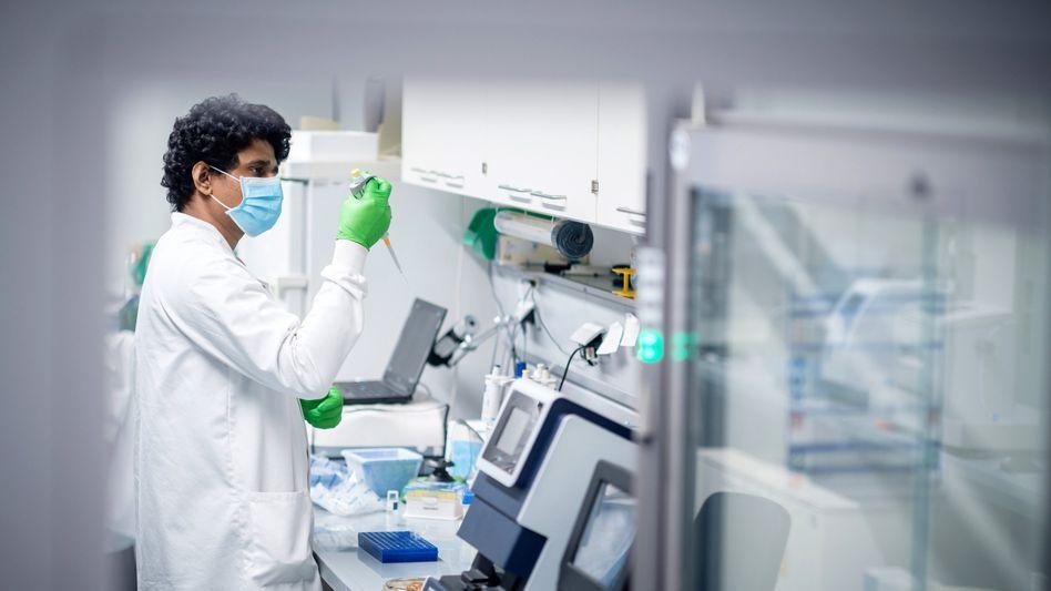 Impfstoff-Forschung bei Biontech: Das Mainzer Unternehmen liegt mit Partner Pfizer aus den USA gut im Rennen