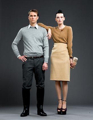 Understatement: Die schlichten Designerklamotten aus höchstwertigen Materialien kosten das junge Pärchen 11.000 Euro