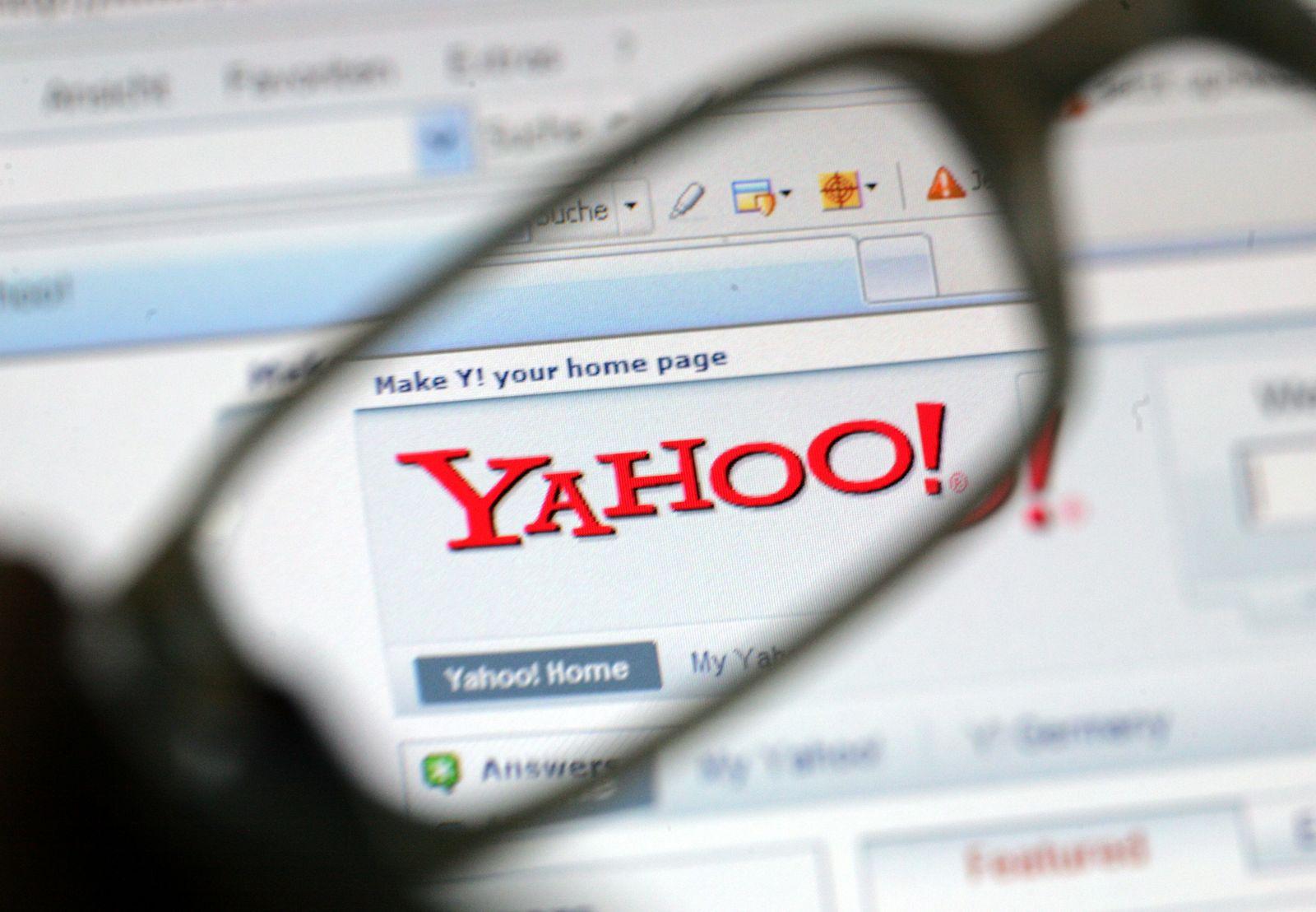 Yahoo! Symbolbild / Investor mit Suchmaschine