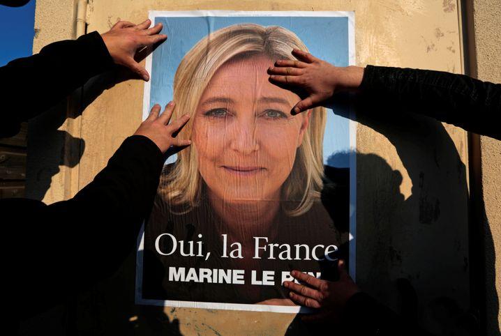 Le-Pen-Plakat in Frankreich (Archivbild)