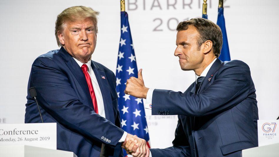 Frankreichs Präsident Emmanuel Macron (r.) kann austeilen. Das ließ er US-Präsident Donald Trump bereits beim G7-Gipfel Ende August spüren