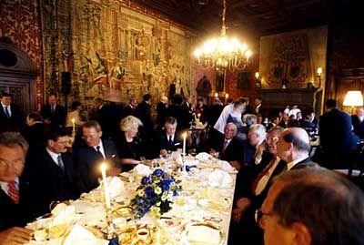 Abendmahl: Die lange Tafel der Top-Manager